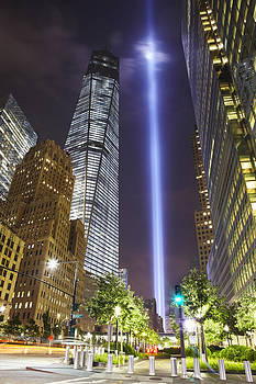 Tribute in Light and Freedom Tower by Alex Llobet