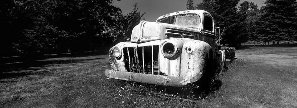 Truck 60 by Tony Wainwright