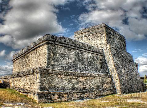 Ines Bolasini - Tulum Ruins