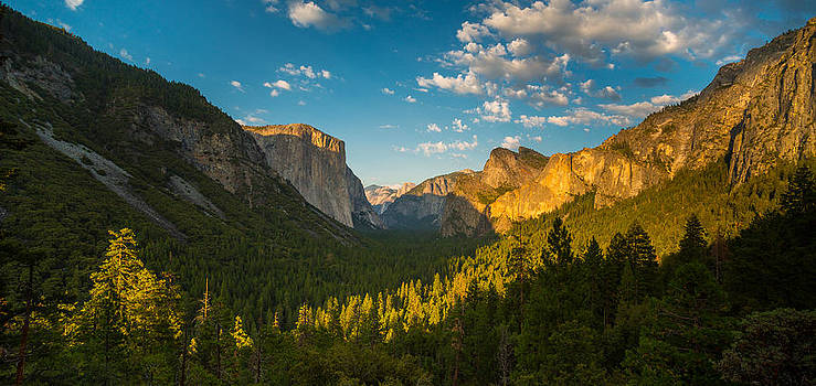 Tunnel View Sunset by Mike Lee