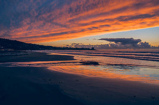 Twilight at the Beach by Greg Amptman