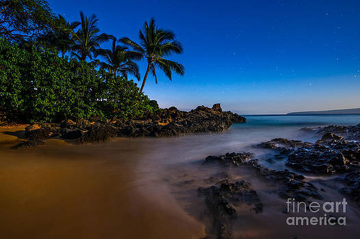 Jamie Pham - Twilight Beach