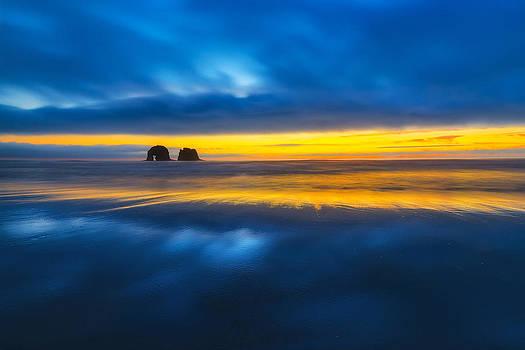 Twin Rocks Sunset Sliver by Ryan Manuel