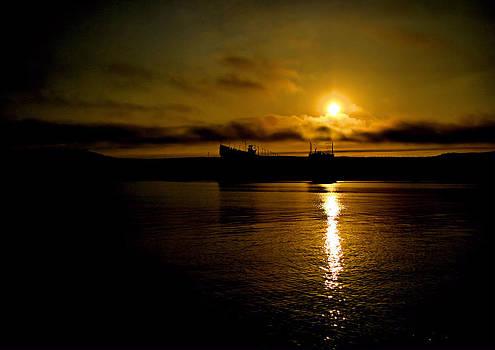 Matthew Winn - Two Harbors Sunset