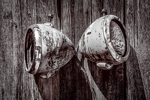 onyonet  photo studios - Two Old Headlights