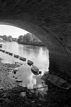 Under Richmond Bridge by Maj Seda