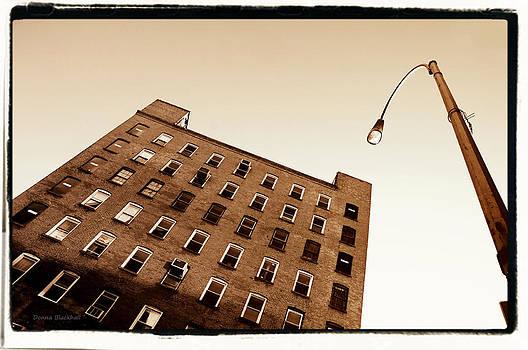 Donna Blackhall - Under The Street Lamp
