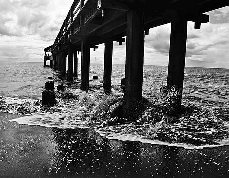 Tracey McQuain - Under Waimea Pier