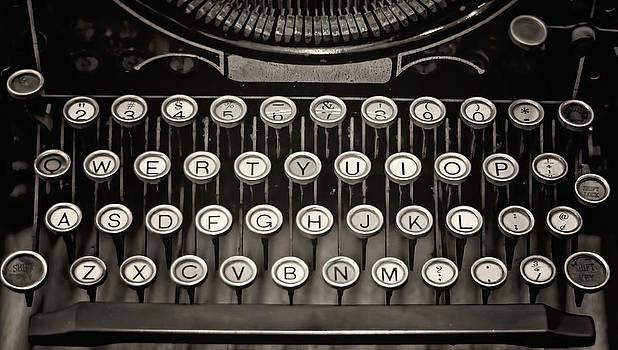 Heather Applegate - Underwood Typewriter