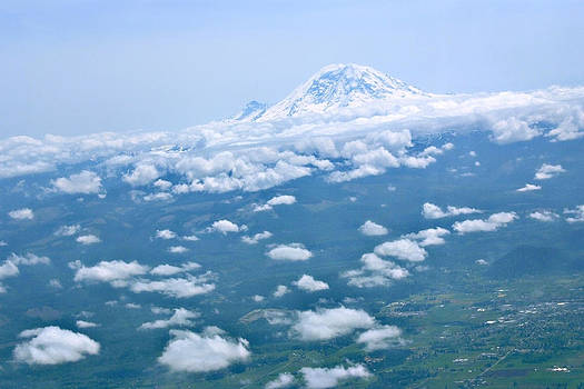 Devinder Sangha - Unusual view of Mount Rainier
