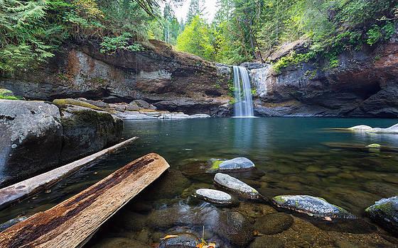 Upper Coquille Falls by Robert Bynum