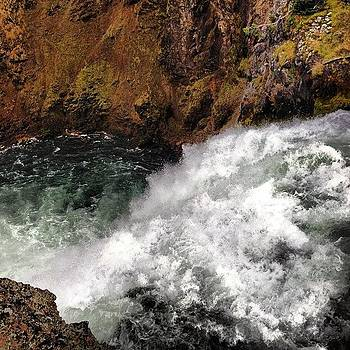 Upper Falls #yellowstone #wy #waterfall by Greta Olivas