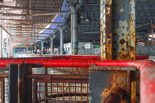 Urban Decay  by Ronaldo Hidalgo