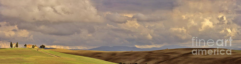 Val D'Orcia Tuscany Italy by Robert Leon