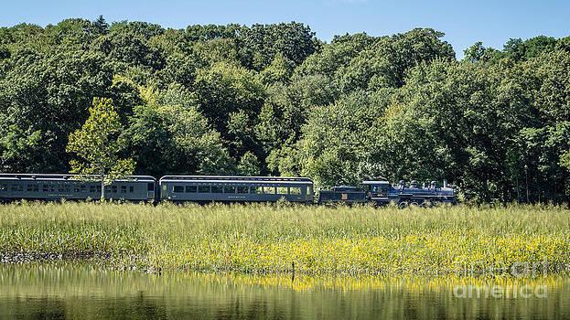 Edward Fielding - Valley Railroad Pratt Cove