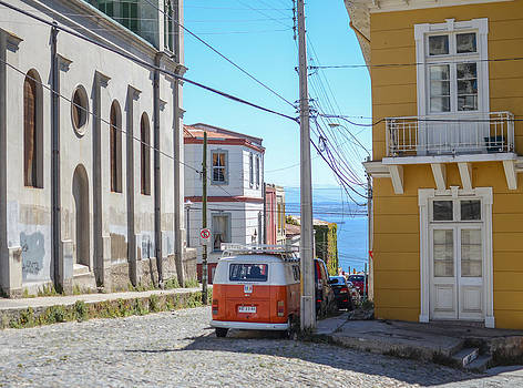 Valparaiso Chile by Eric Dewar