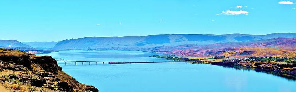 Vantage Bridge over the Columbia River by Vivian Markham