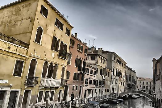 Venetian Style by Indiana Zuckerman