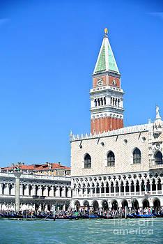 Venezia by Sarah Christian
