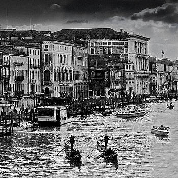 Venice as Past by Alfredo Machado