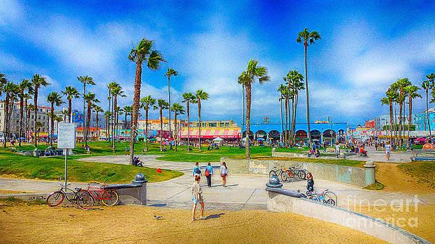 Charles H Davis - Venice Beach broadwalk