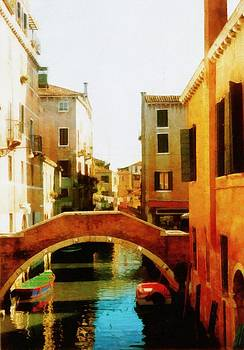 Michelle Calkins - Venice Italy Canal with Boats and Laundry