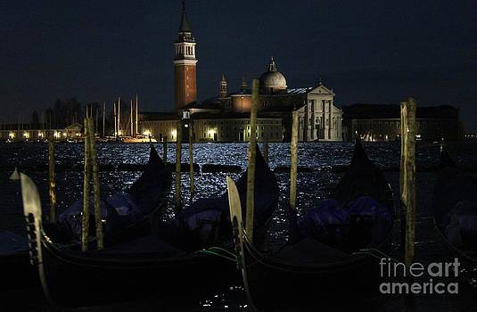 Venise by night by Bernard MICHEL