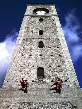 Vertical dance by Giuseppe Epifani