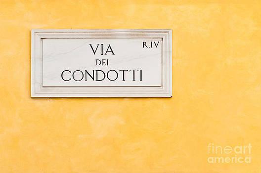 Via dei Condotti plate by Luis Alvarenga