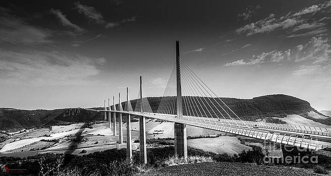 Viaduc de Millau France by Rob Heath