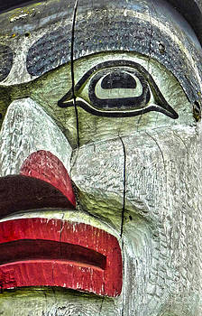 Gregory Dyer - Victoria Island Totem - 01