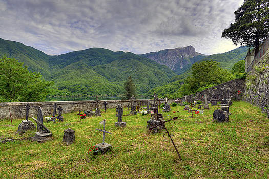 Matt Swinden - Vigli Sotto Cemetery