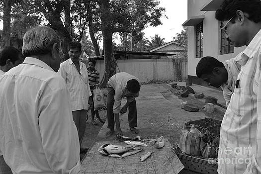 Village Fish Market by Bobby Mandal
