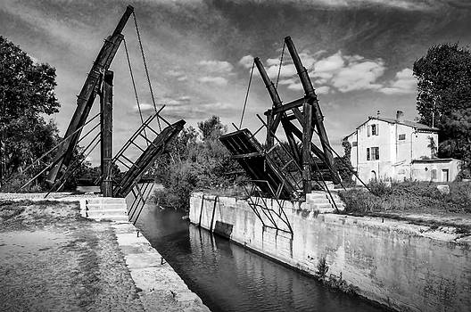 Vincent van Gogh Bridge by Richard Wiggins