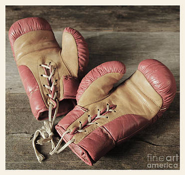 Vintage boxing gloves by Isabel Poulin