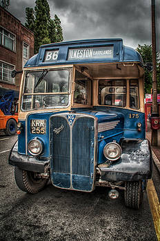 Vintage Bus by Darren Marshall