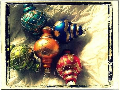 Vintage Christmas by Victoria Heryet