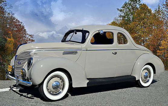 Vintage Ford by Susan Leggett