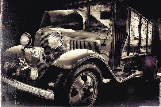Vintage Ice Truck by Ray Still