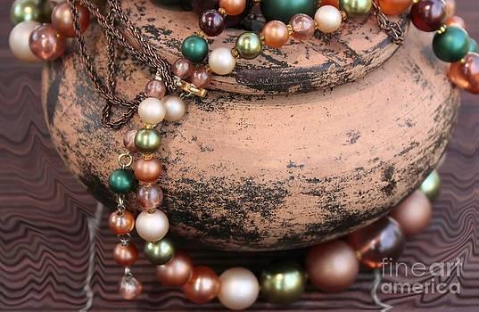 Sophie Vigneault - Vintage Jewelry
