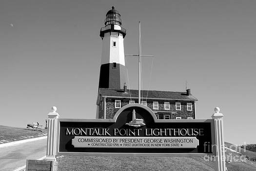 JOHN TELFER - Vintage Looking Montauk Lighthouse