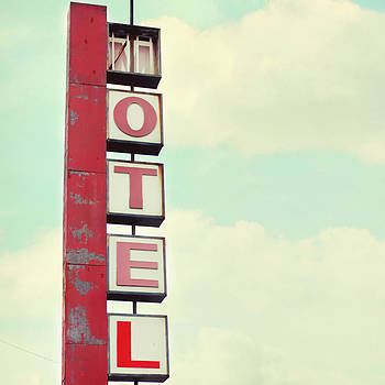 Vintage Motel by Beverly  LeFevre