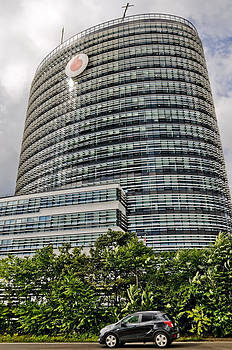 Vodafone HQ Dusseldorf. by David Davies