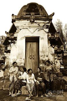 Waiting  by Wayan Suantara
