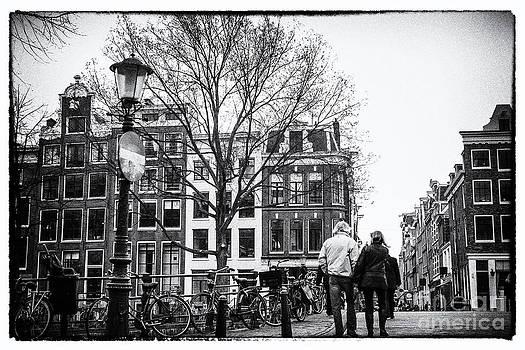 Patricia Hofmeester - Walking through Amsterdam