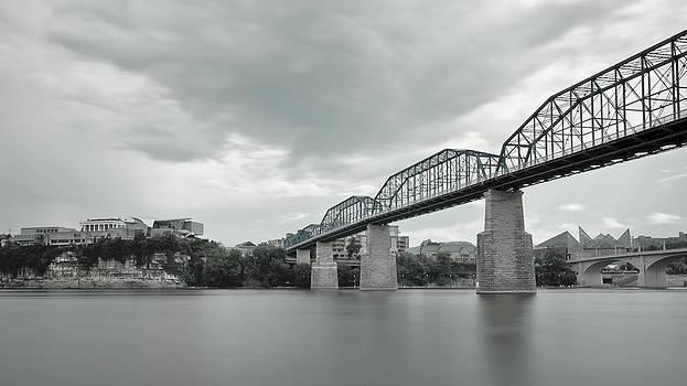 Walnut Street Bridge by Ben  Keys Jr