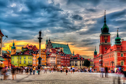 Warsaw Old Town by Roman St
