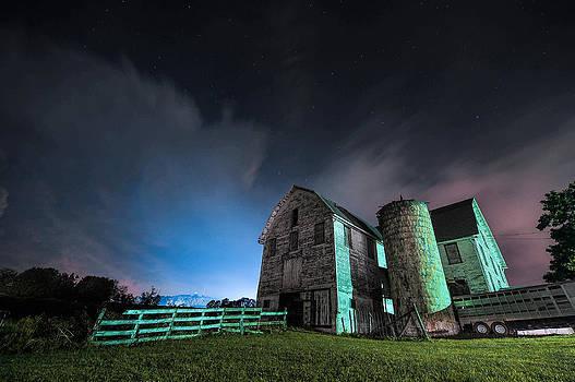 Washington PA Barn by Chris Litherland
