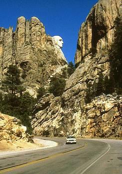 Art America Gallery Peter Potter - George Washington Profile on Mount Rushmore