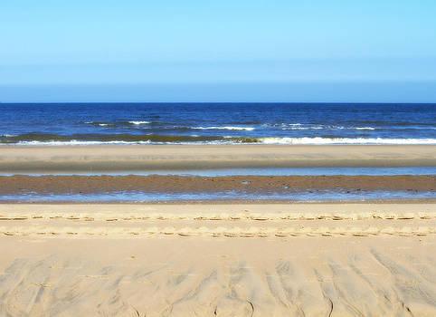 Wassenaar Beach by Yvonne Gallagher
